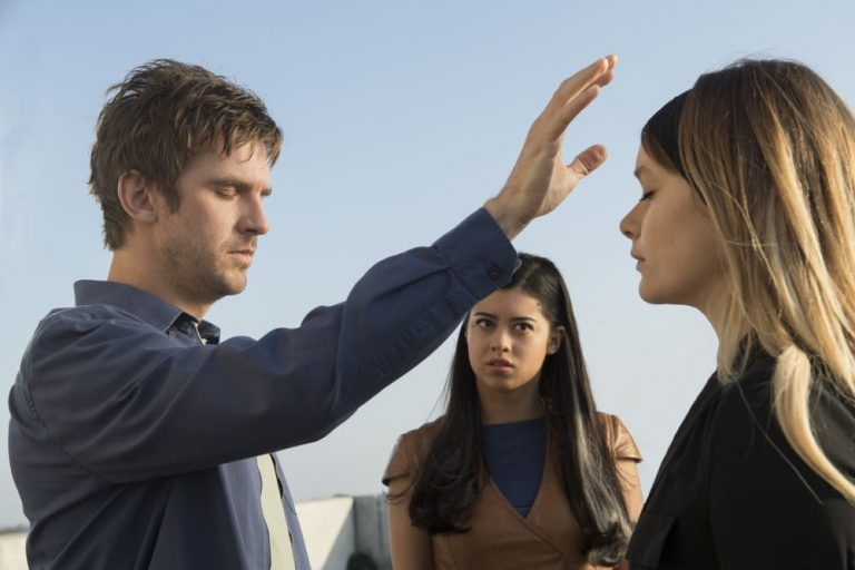 Dan Stevens, Amber Midthunder, and Rachel Keller in Legion (2017)