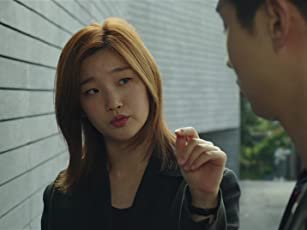 Woo-sik Choi and So-dam Park in Parasite (2019)