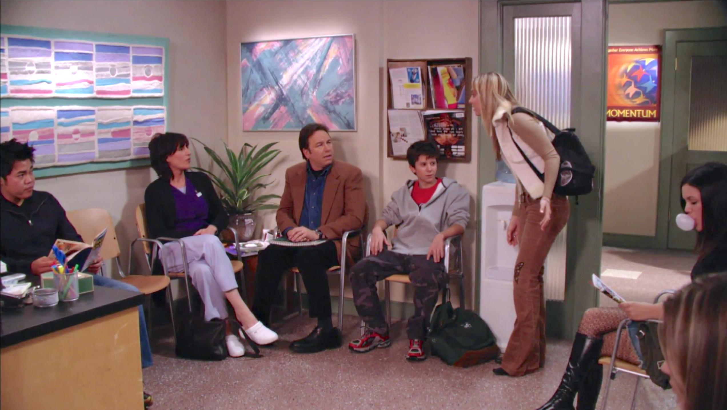 John Ritter, Katey Sagal, Kaley Cuoco, Martin Spanjers, and Rachel Bilson in 8 Simple Rules... for Dating My Teenage Daughter (2002)
