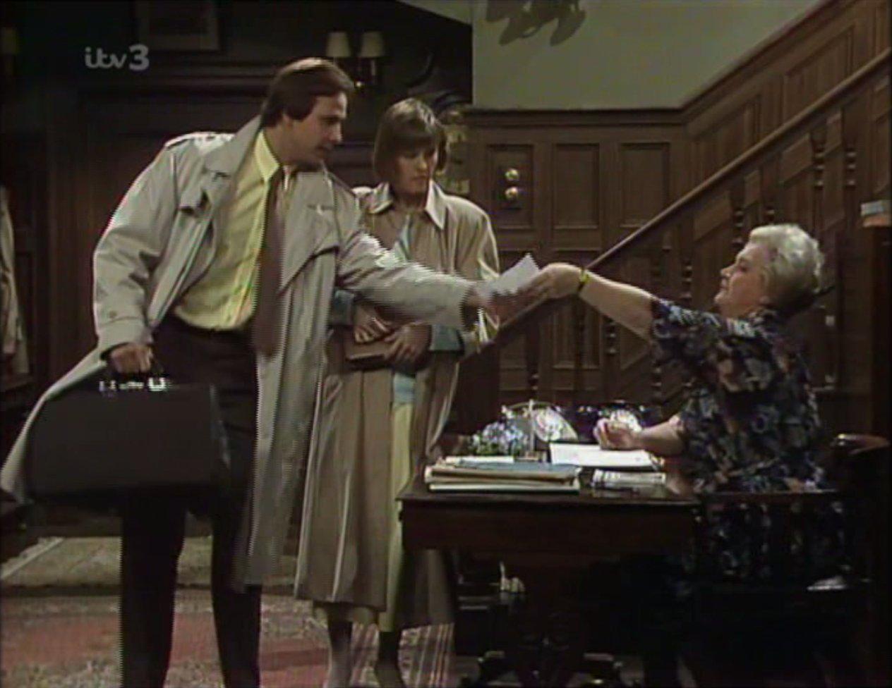 Christopher Blake, Jennifer Lonsdale, and Mollie Sugden in That's My Boy (1981)