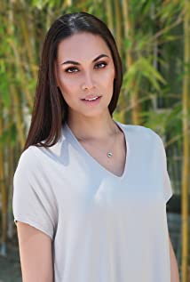 Cassandra James Picture