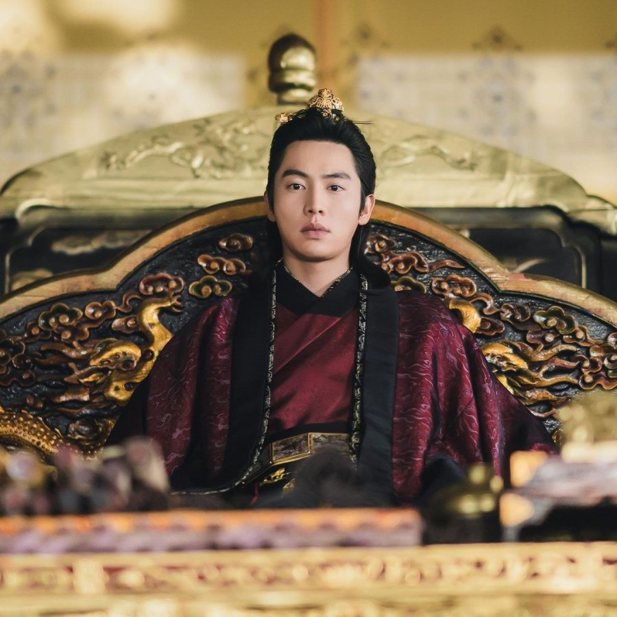 Hwa-Woon Kwon in River Where the Moon Rises (2021)