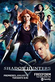 Harry Shum Jr., Emeraude Toubia, Katherine McNamara, Dominic Sherwood, Matthew Daddario, and Alberto Rosende in Shadowhunters: The Mortal Instruments (2016)