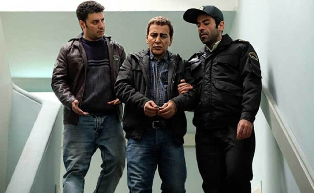 Javad Ezati, Hamid Reza Azarang, and Banipal Shoomoon in Pilot (2019)