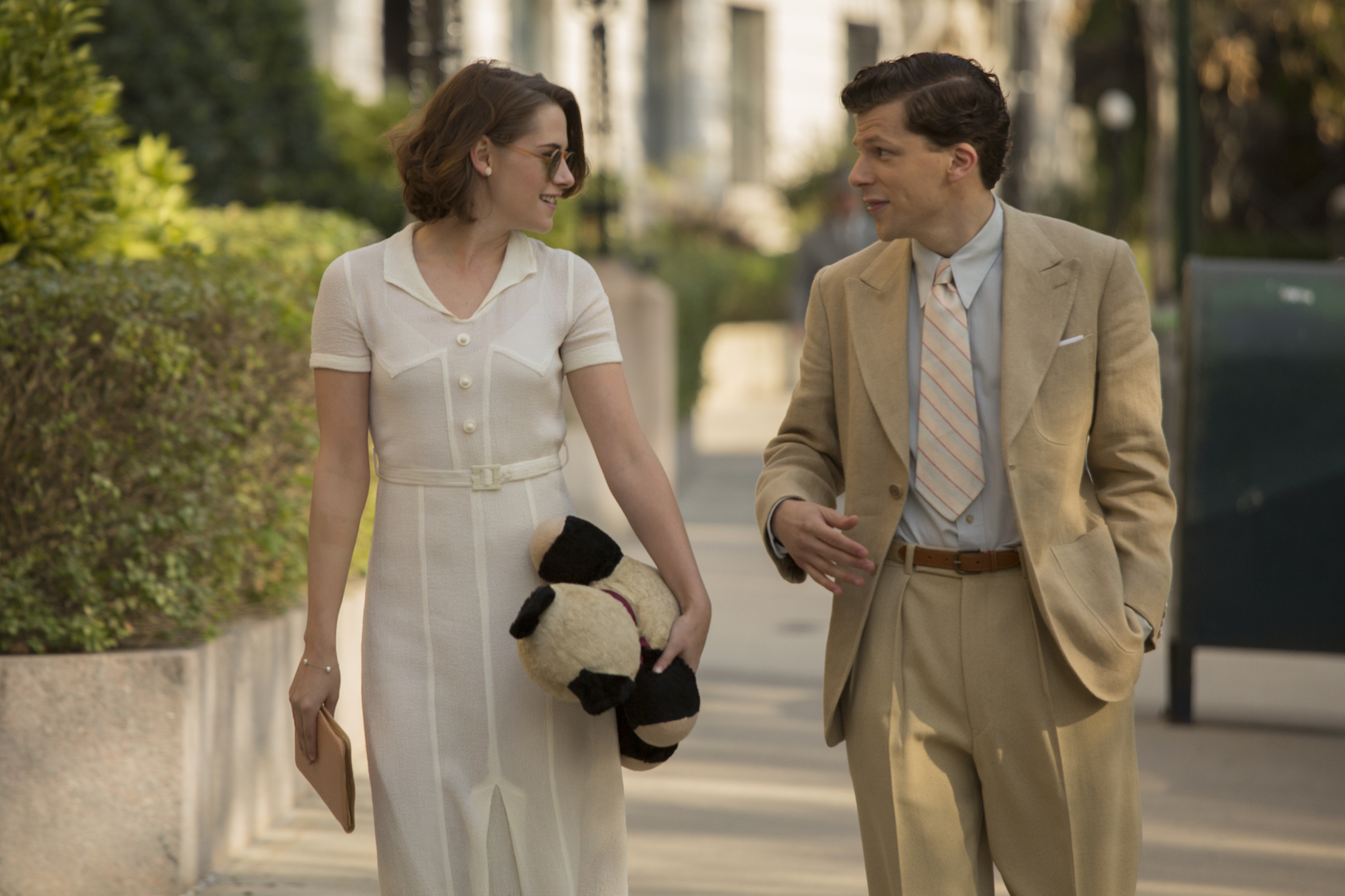 Jesse Eisenberg and Kristen Stewart in Café Society (2016)