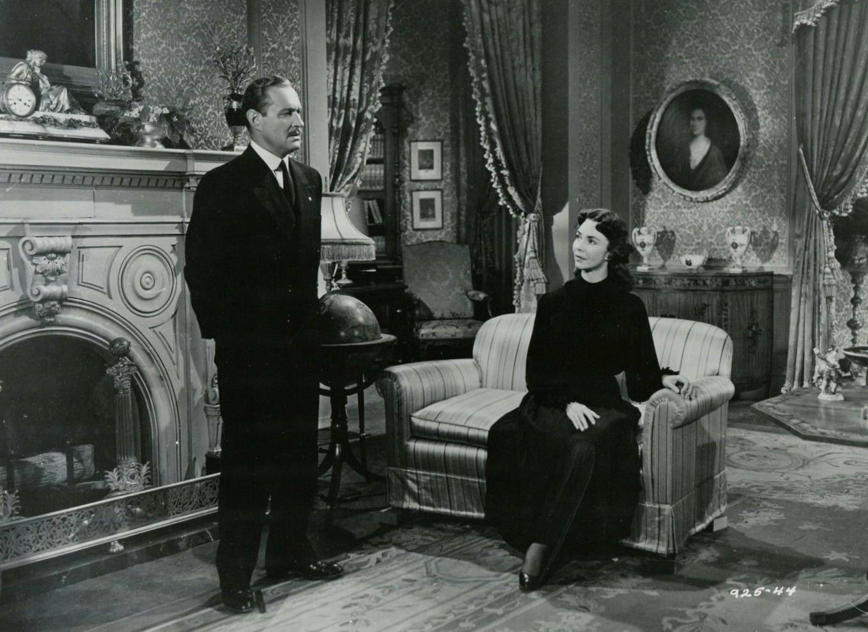 Robert Douglas and Jennifer Jones in Good Morning, Miss Dove (1955)