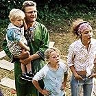 Peter Gantzler, Neel Rønholt, Fritz Bjerre Donatzsky-Hansen, Benedikte Maria Mouritsen, and Mikkel Sundøe in Min søsters børn (2001)