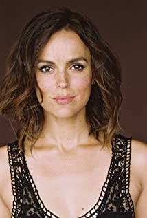 Erin Cahill Picture