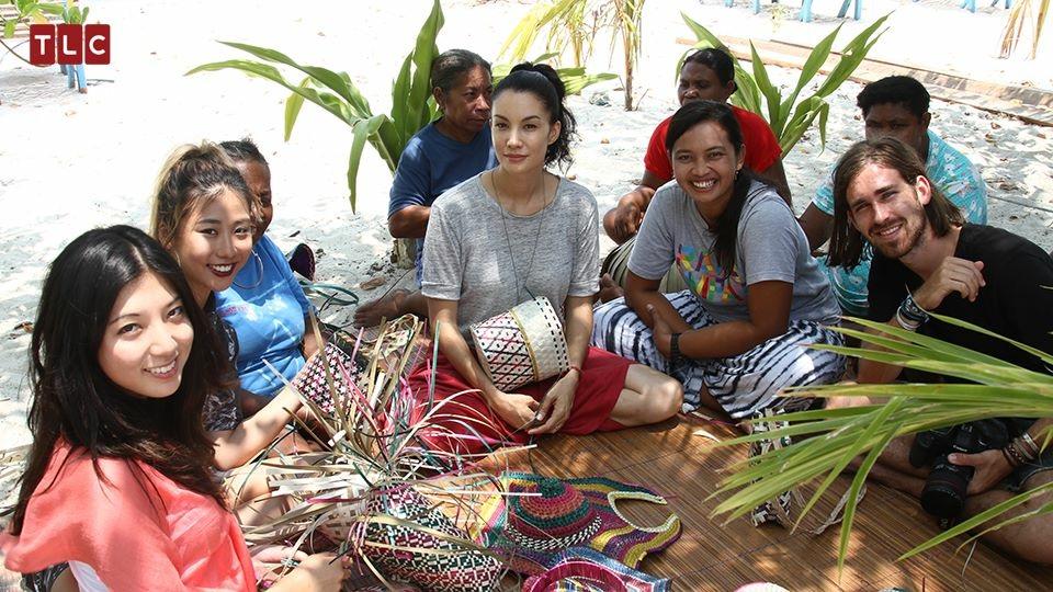 Still of Diana Huntley, Mae Tan, Nadya Hutagalung and Luke Latty in Wondernesia (2015)