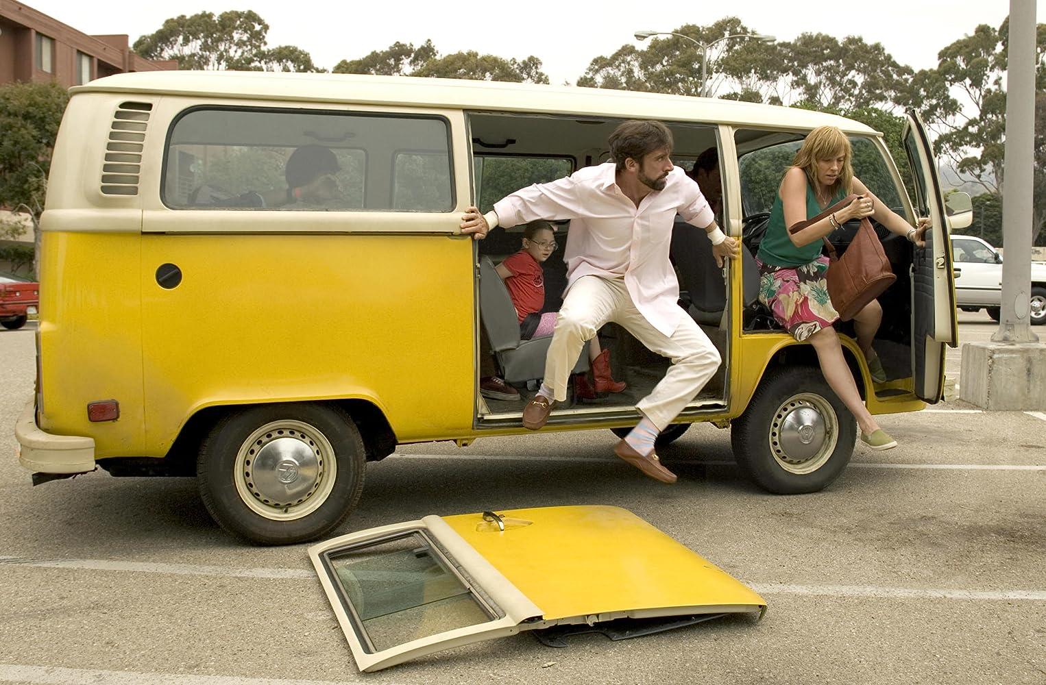 Toni Collette, Steve Carell, and Abigail Breslin in Little Miss Sunshine (2006)