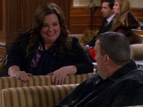 Melissa McCarthy and Billy Gardell in Mike & Molly (2010)