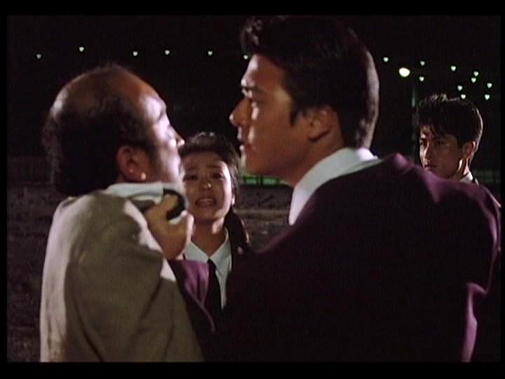 Tarô Suwa and Megumi Morisaki in 893 Taxi (1994)