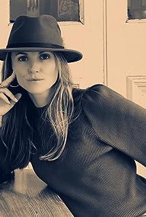 Taryn Reif Picture
