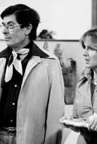 Denis Drouin and Dominique Michel in Chère Isabelle (1976)