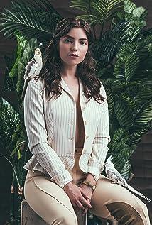 Angela Trimbur Picture