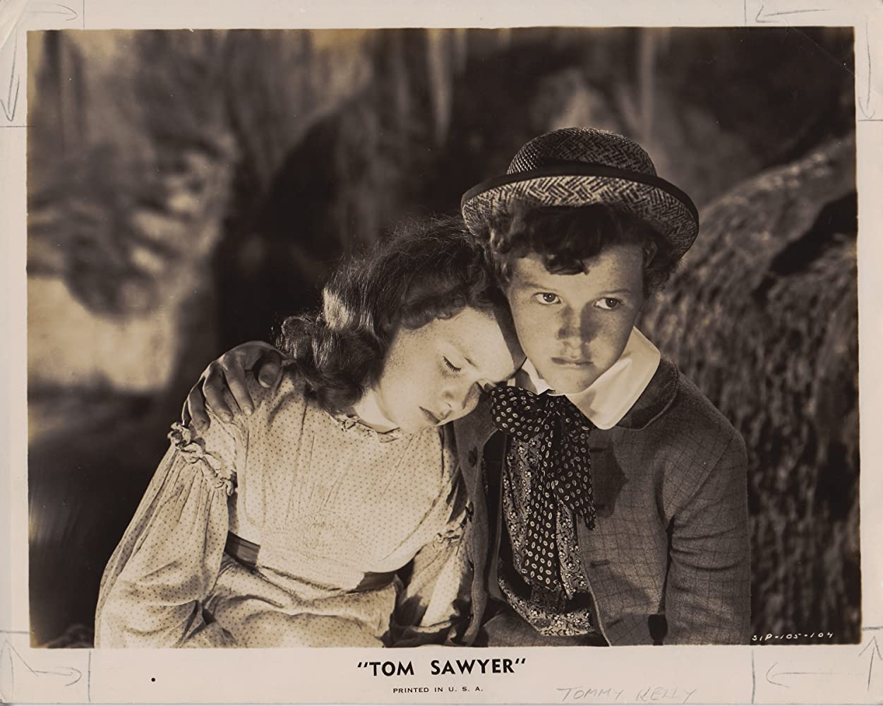 Marcia Mae Jones and Tommy Kelly in The Adventures of Tom Sawyer (1938)