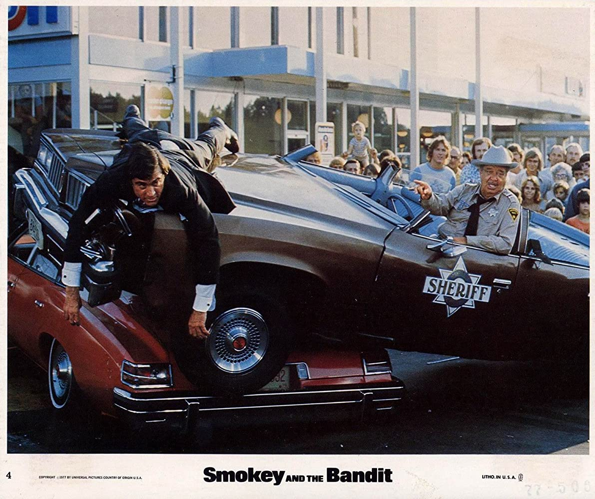 Jackie Gleason and Mike Henry in Smokey and the Bandit 1977