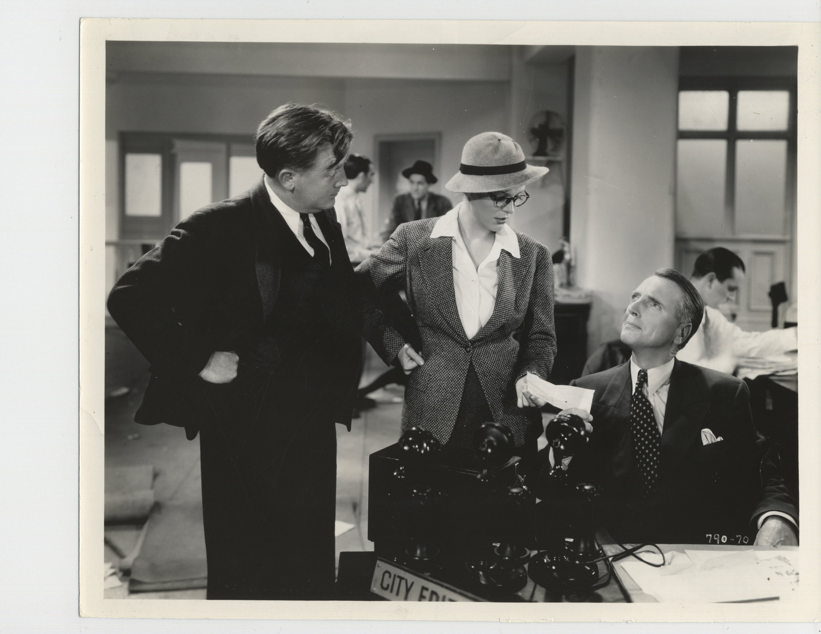 Gloria Stuart, Robert Gleckler, and David Oliver in The Girl on the Front Page (1936)