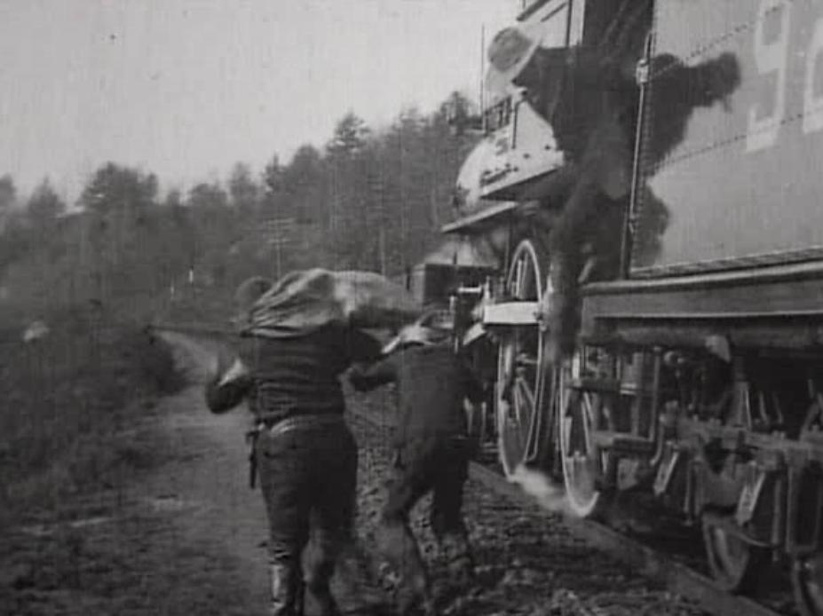 the great train robbery 1903 The great train robbery is a 1903 american silent short western film written, produced, and directed by edwin s porter, a former edison studios cameraman.
