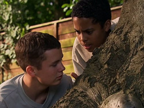 Ciaran Joyce and Darragh Mortell in The Story of Tracy Beaker (2002)