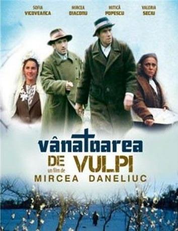 Mircea Diaconu, Mitica Popescu, Valeria Seciu, and Sofia Vicoveanca in Vînatoarea de vulpi (1980)