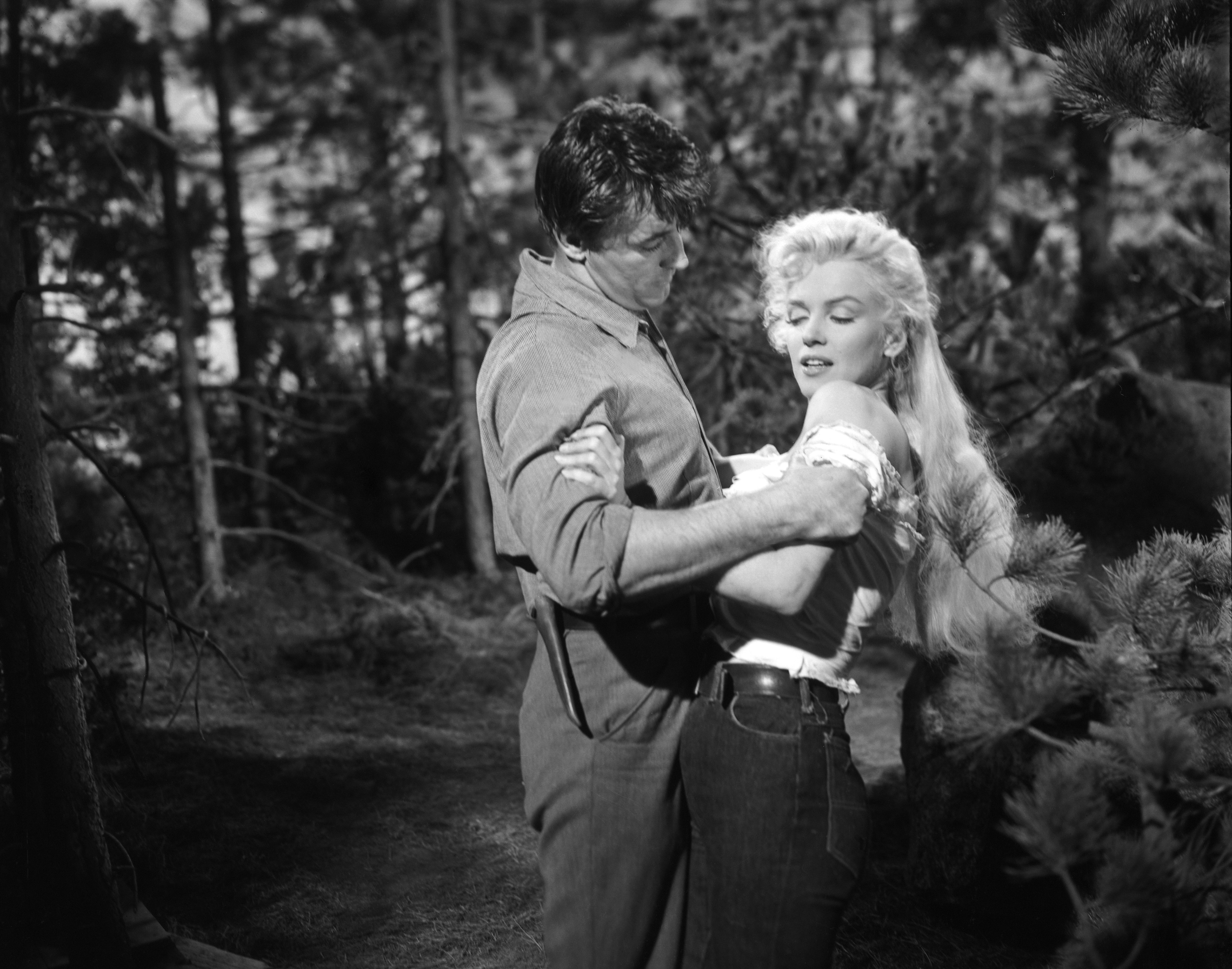 Robert Mitchum and Marilyn Monroe in River of No Return (1954)
