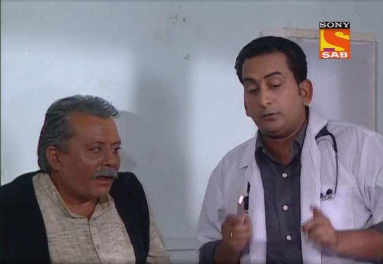 Pankaj Kapur and Hemant Pandey in Office Office (2000)