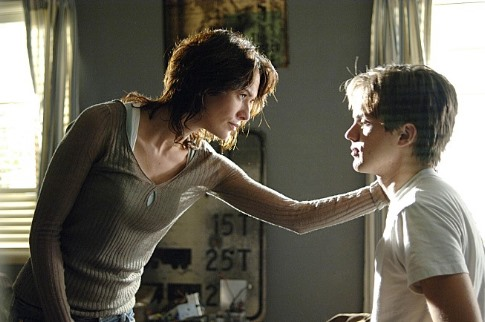 Thomas Dekker and Lena Headey in Terminator: The Sarah Connor Chronicles (2008)