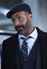 Jesse L. Martin in Growing Pains (2021)