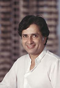 Primary photo for Shashi Kapoor