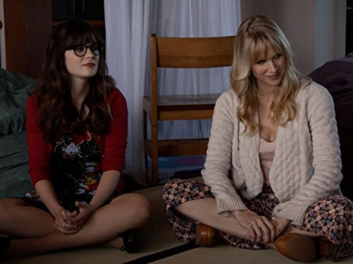 Zooey Deschanel and Lucy Punch in New Girl (2011)