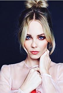 Laura Vandervoort Picture