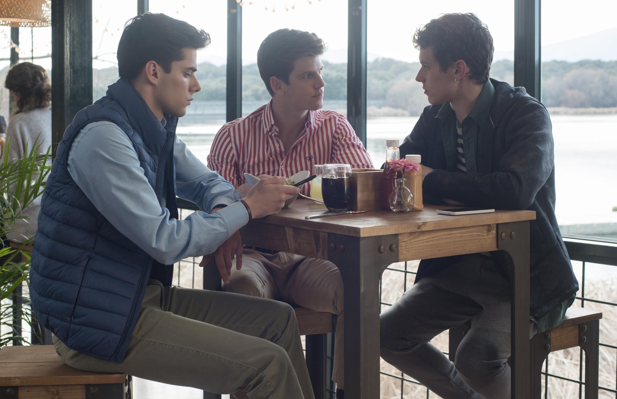 Arón Piper, Miguel Bernardeau, and Álvaro Rico in Élite (2018)