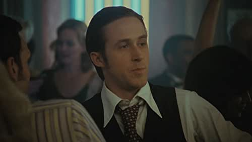 A detective (Morgan) begins to unravel a missing-persons case that might spell doom for the heir to a New York real estate dynasty (Gosling), who fell for a young woman from the wrong side of the tracks (Dunst).