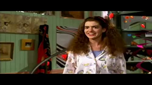 Mia Thermopolis has just found out that she is the heir apparent to the throne of Genovia. With her friends Lilly and Michael Moscovitz in tow, she tries to navigate through the rest of her sixteenth year.