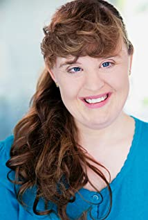 Jamie Brewer Picture