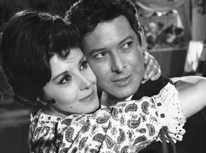 Vicente Parra and Concha Velasco in La verbena de la Paloma (1963)