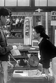 Yoshiko Kuga and Keiji Sada in Kono hiroi sora no dokoka ni (1954)