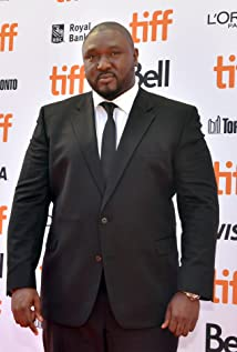 Nonso Anozie Picture