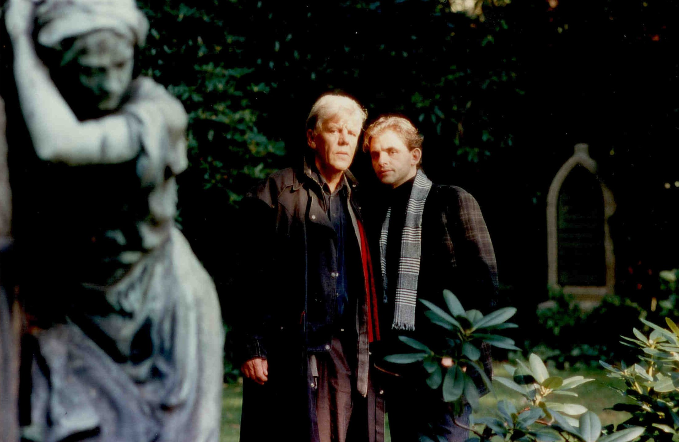Dominique Horwitz and Peter Striebeck in Große Freiheit (1996)