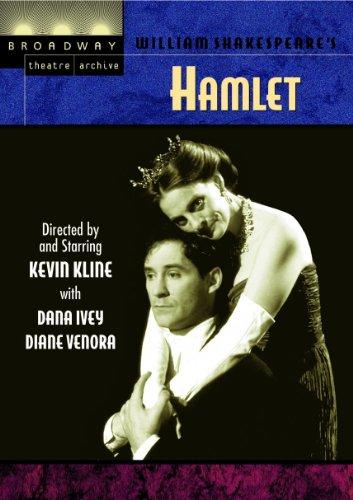 Kevin Kline and Dana Ivey in Hamlet (1990)