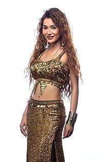 Sara Khan - IMDb