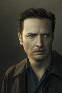 Aden Young Picture