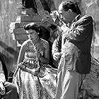 Mimis Fotopoulos and Jenny Karezi in Laterna, ftoheia kai filotimo (1955)