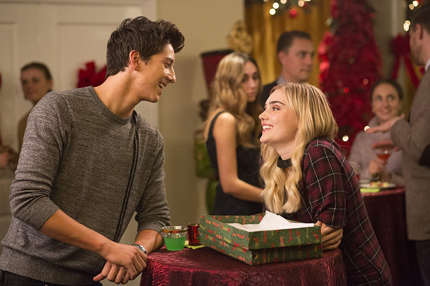 Milo Manheim and Meg Donnelly in American Housewife (2016)