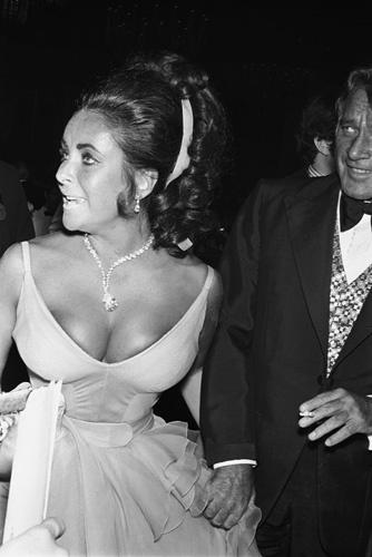 """""""Academy Awards: 42nd Annual"""" Elizabeth Taylor"""