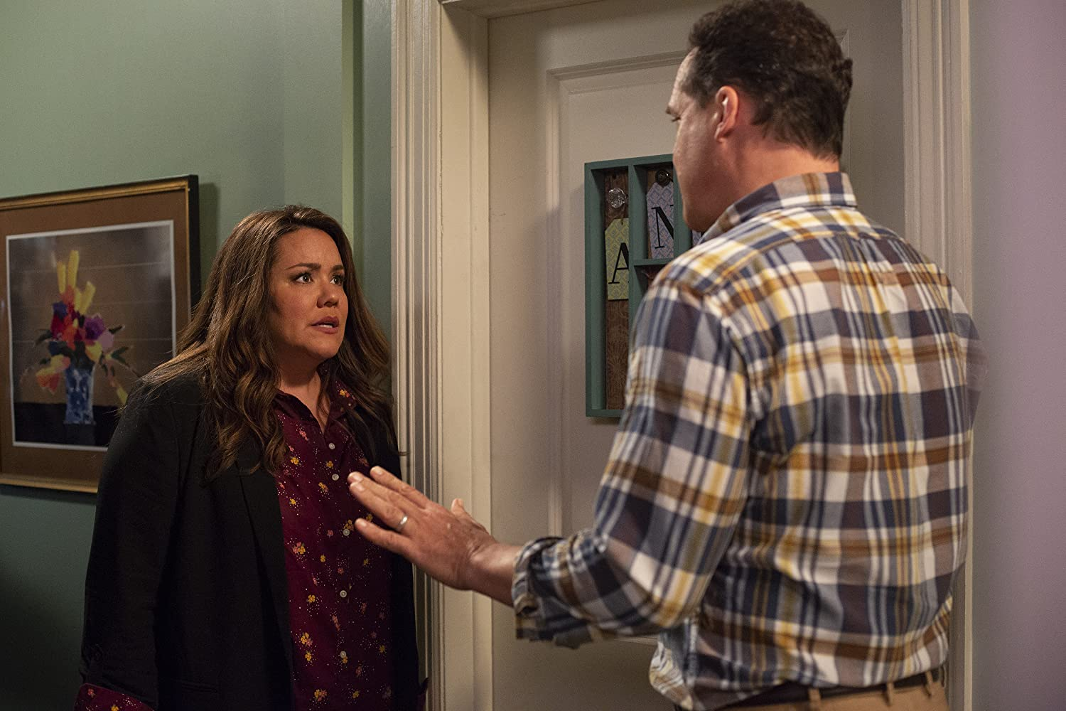 Diedrich Bader and Katy Mixon in American Housewife (2016)