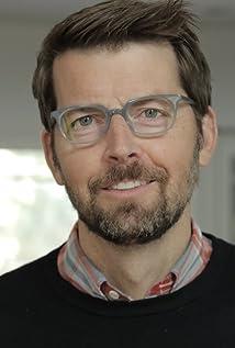 Brian Gallivan Picture
