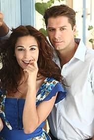 Katerina Papoutsaki and Alexandros Bourdoumis in Eho ena mystiko... (2008)