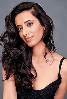 Hina X. Khan Picture